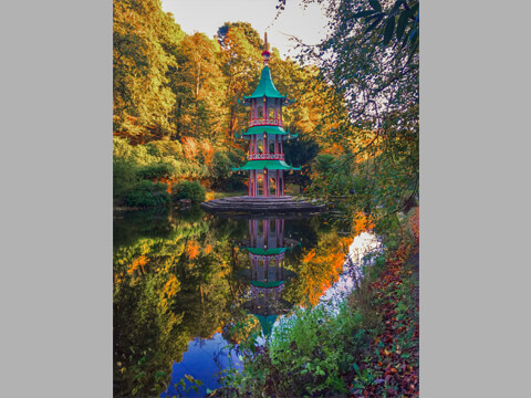 The Pagoda Fountain completed, looking resplendent and worthy of it's Grade II* listed status.